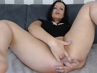 Shaved Pussy Milf Fingering Close Up