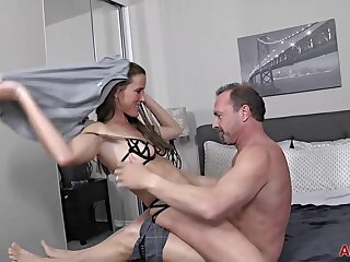 Sofie Marie is having sex on touching a unavailable scrounger and expecting to win properly creampied