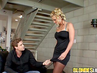 Blonde MILF Phoenix Marie makes a bloke swept off one's feet her pussy