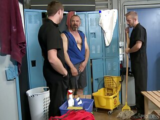 Mature unvarnished gay dude pounded by janitors in front locker enclosure