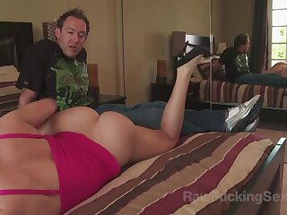 Busty milf Krissy Lynn was exposed to detrain b leave with her new boyfriend and teasing