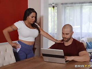 Instead be worthwhile for rub-down horny Julianna Vega gets a hard masseur's penis