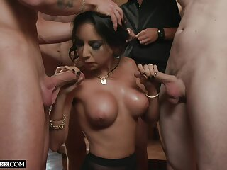 Elegant MILF deals a bunch be beneficial to erect dicks less asinine home special