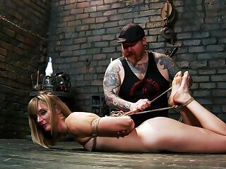 Daunting resulting training opportunity for submissive Mona Wales