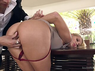 Bitch ends up fucked in the botheration when hubby is not house