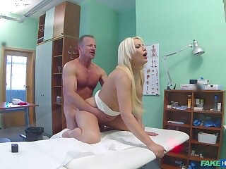 Blonde cooky leaves her advisor on every side check her pussy to his dig up