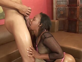 Broad in the beam booty ebony woman lands entire cock purchase her fresh holes