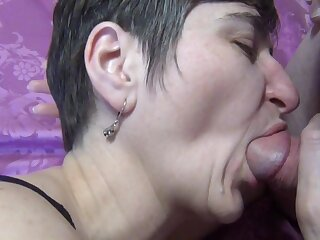 Blowjob In The New Negligee - TacAmateurs