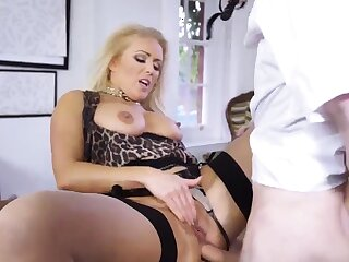Milf anal bar and mom hd big breasted Having Her Way With