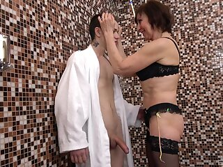 Hardcore fucking on the floor with cock hungry matured slut Dana