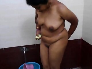 aunty get fucked by his bf  in hotel